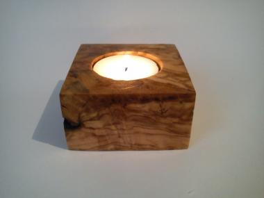 Tea light candlestick from olivewood root.
